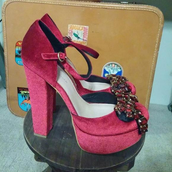 Kurt Geiger Shoes - Kurt Geiger Platform Heels With Clip-On Bows 39
